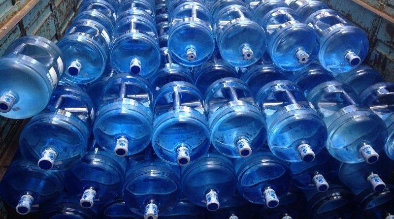 Botellones m s 1 tanquero de agua destina epmaps a for Agua potable quito