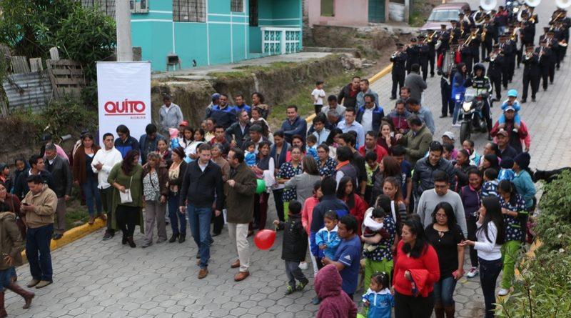 Alcalde Mauricio Rodas entregó tres calles adoquinadas en el sector de Chilibulo
