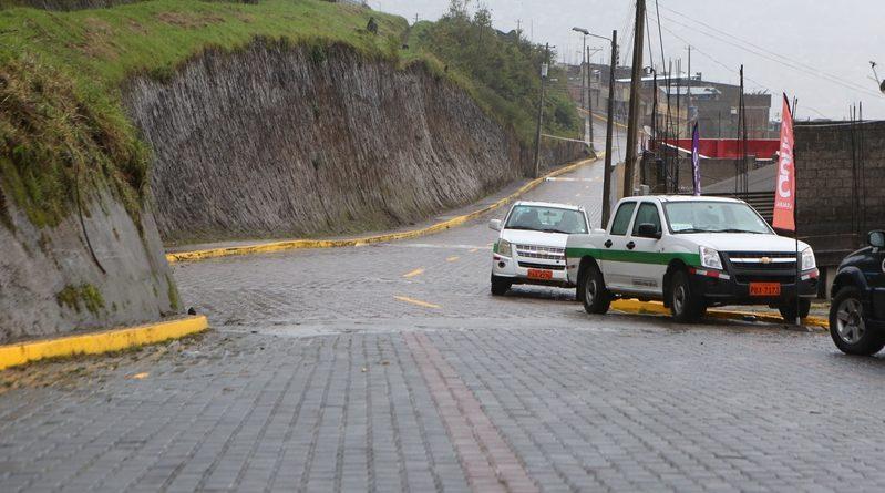 Una vía une tres barrios en el sector de la Colmena