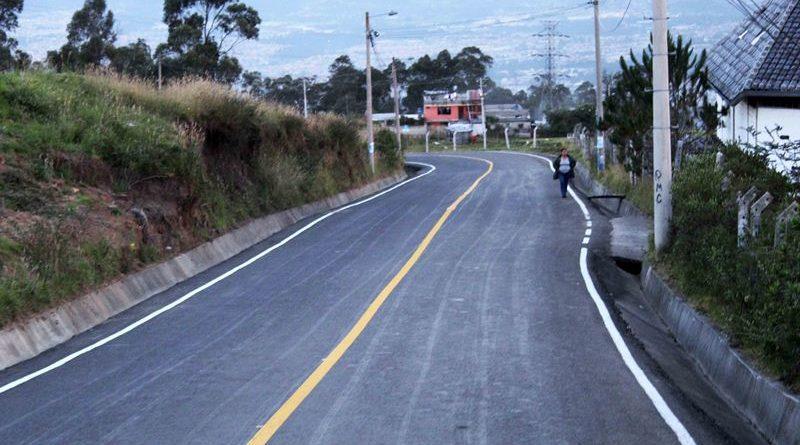 Alcalde Rodas entregó asfaltado de la  calle María Barreto del barrio Buenos Aires