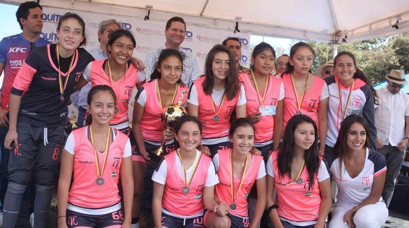Alcalde Rodas entregó los trofeos a los ganadores de la XIV edición de la Copa La Carolina