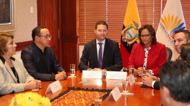 Alcalde Rodas entrega a la Asamblea propuesta para legalizar Uber y Cabify
