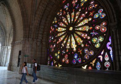 Un taller para conservar los vitrales se realiza en la Basílica