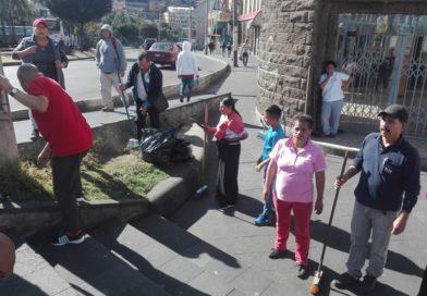 Emaseo realiza minga con ayuda de la comunidad
