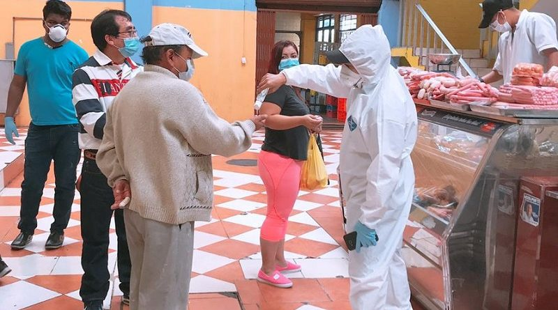 Mercados Municipales se capacitan en temas de salud