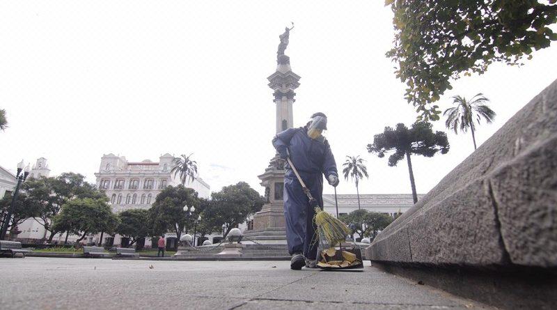Personal de barrido mantiene limpia la ciudad