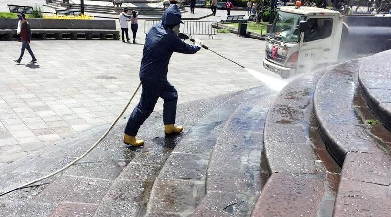 Hidrolavado de plazas