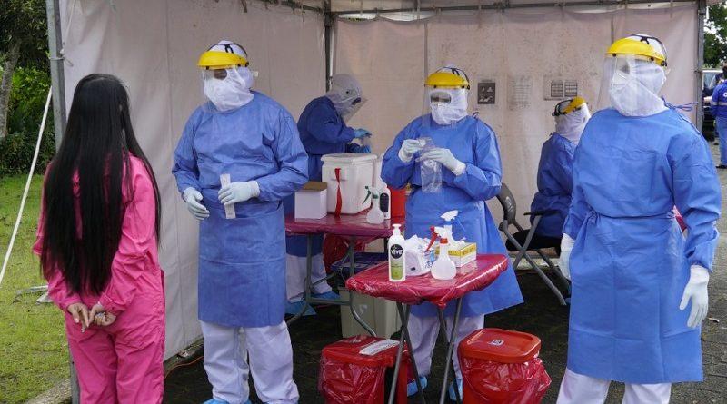 Toma de pruebas PCR en Quito