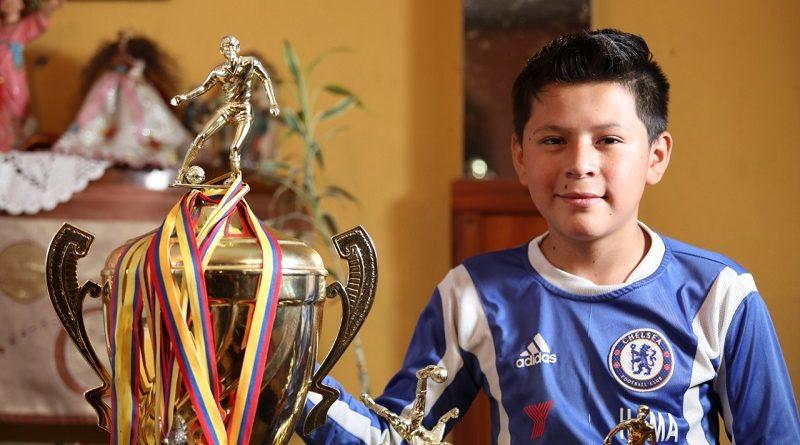 Liga El Girón y Quito a la Cancha