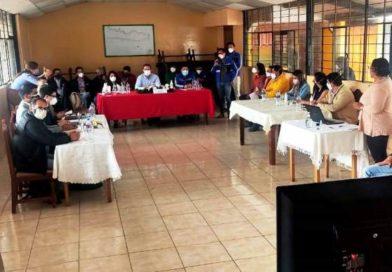 Autoridades y ciudadanos revisan avance de intervención en quebrada Caupicho