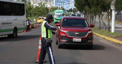 Quito retoma medidas de movilidad y aforo