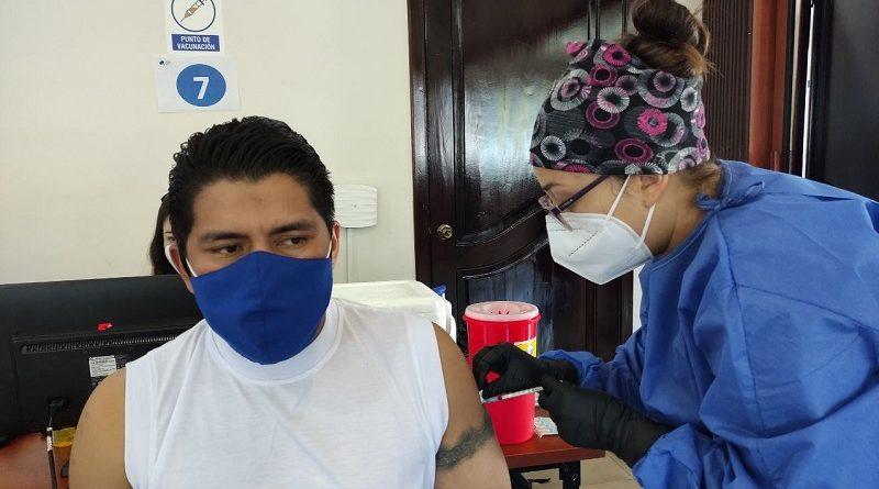 Vacunación personal EEQ