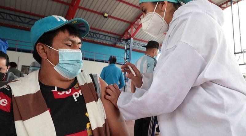 Vacunación CC Montúfar