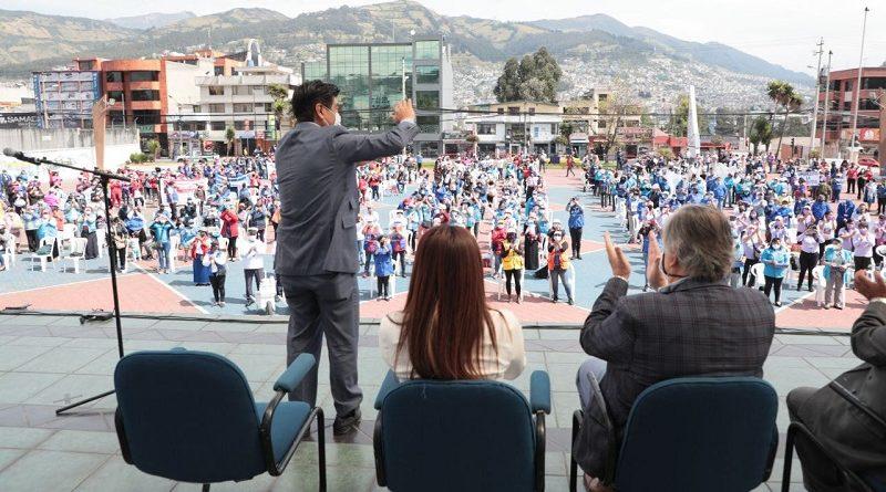 Hecho histórico para Quito en el ordenamiento y regularización del comercio autónomo