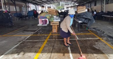 Mercado de Conocoto Libre al 100% de humo'